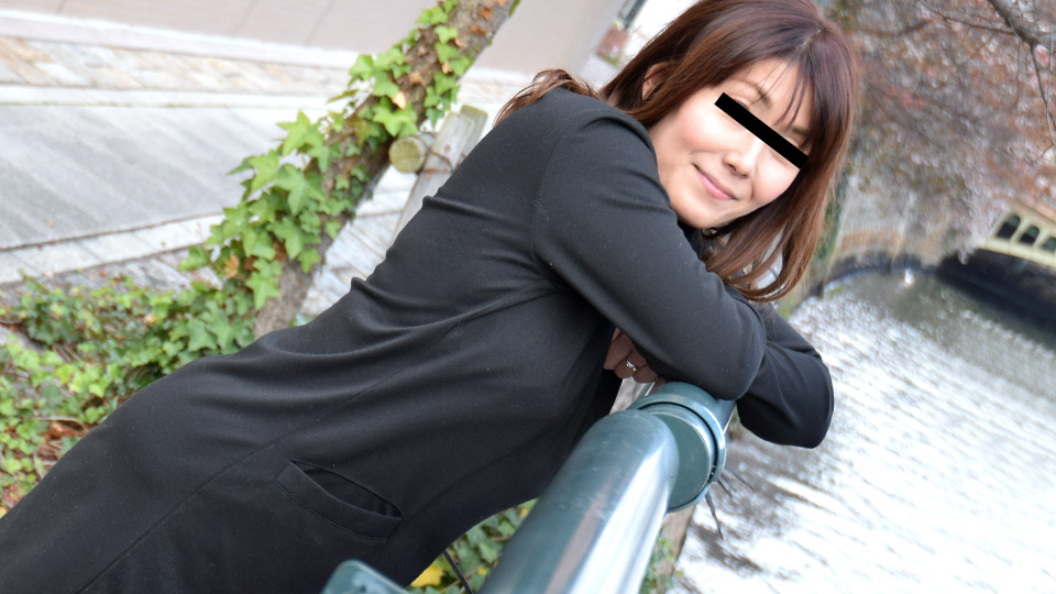 pacopacomama-101319_189-剛毛なスキモノ奥さんと主観デート