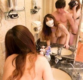 FC2-PPV-1293552_1-鏡の前で親友が犯されちているのを撮影しちゃいました??童貞みたいな男の人だったのにミナちゃんのFカップに大興奮で豹変してすごく。えろかった思い出??№33??