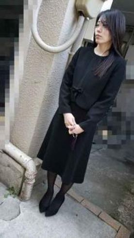 FC2-PPV-1338377-[個撮]ご主人の葬儀の後、喪服のまま無情にも犯される未亡人
