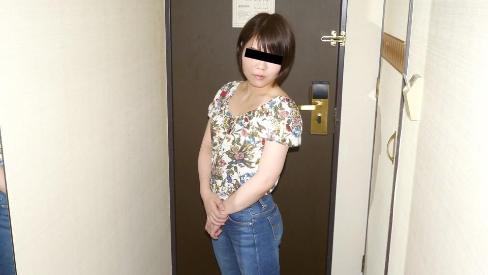 天然素人10mu-092320-01 緊張気味の素人娘を優しく調教しちゃいます