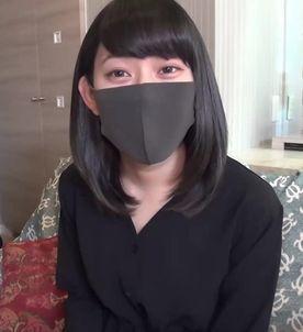 顔バレ危惧して顔をひた隠し! かすかに漏れる喘ぎ声が気持ち良い証拠♥♥