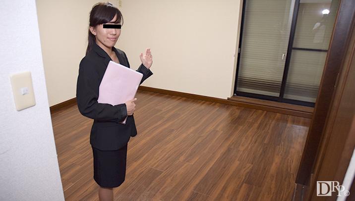 10musume 041316_01 不動産屋勤務の私がカラダ張って契約をとってます 伊藤りさ